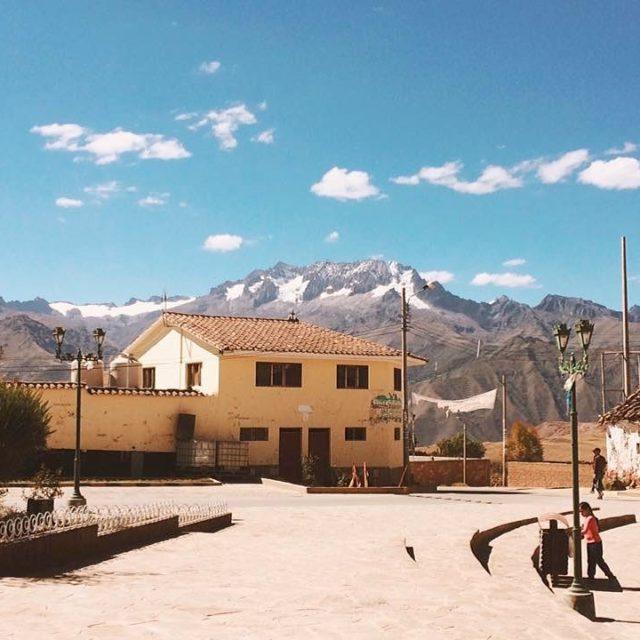 Peru  Montanhas  Cidadezinha   peru salinas marashellip